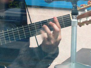 ギター野郎炸裂。