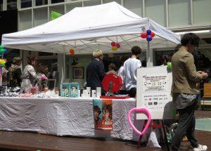 吉祥寺の人気サロンが、コピスのウッドデッキに本日限定オープン!無料で美容師さんの技を体験出来ちゃいます!!