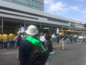 8:45~受付開始。既にたくさんの市民の皆様が集まっていました。