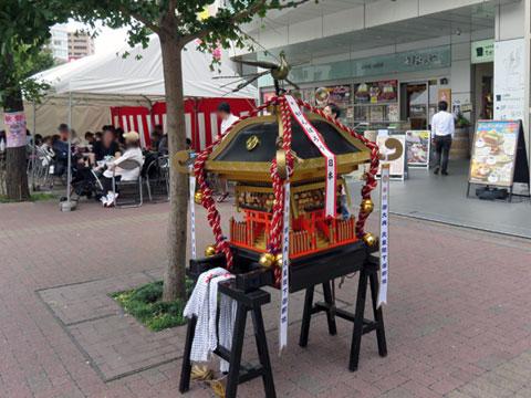 三鷹駅北口商店会の秋祭